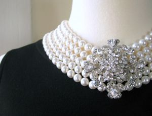 Images of pearls - elegant and ladylike - pearl photos.jpg